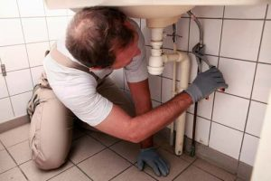Loodgieter-aan-het-werk